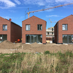 Neubau von drei Kettenhäusern