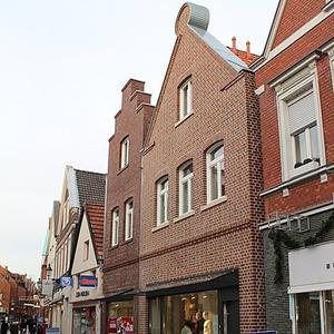 Neubau Geschäfts- und Wohnhaus