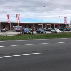 Neubau eines Supermarktes und eines Kinos